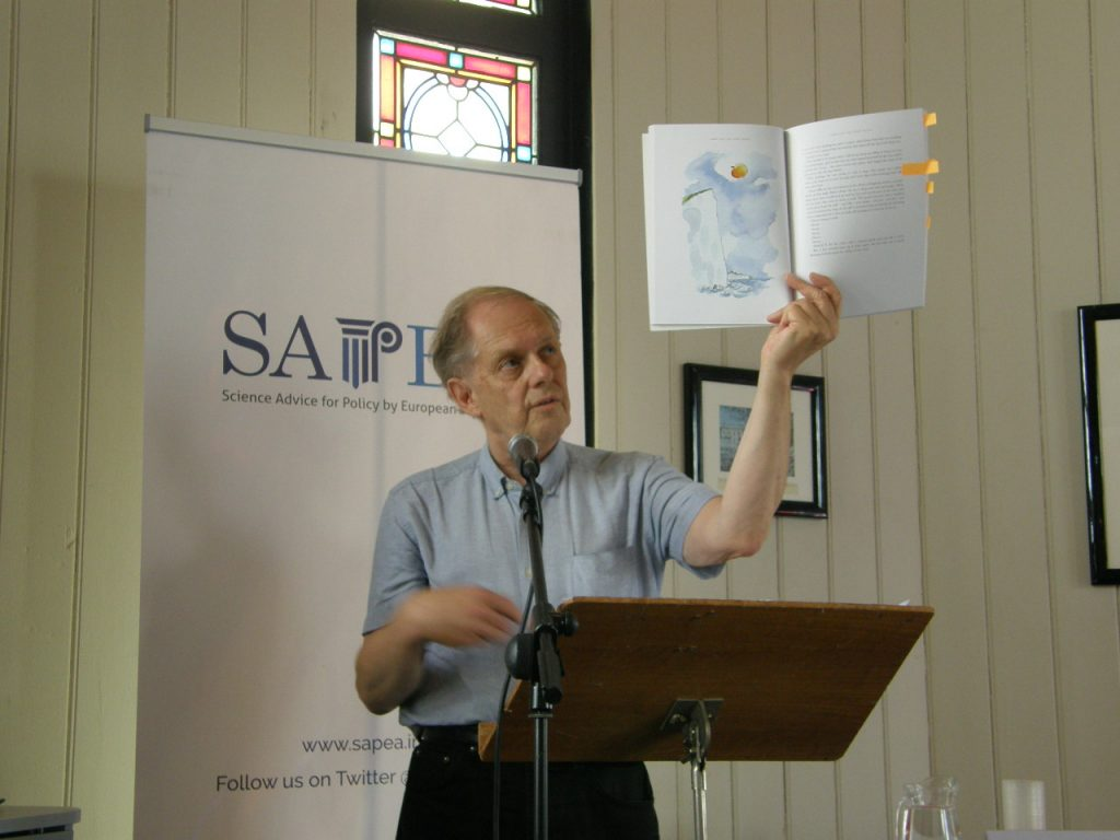 Professor Gunnstein Akselberg, Bergen University, reading from Roald Dahl