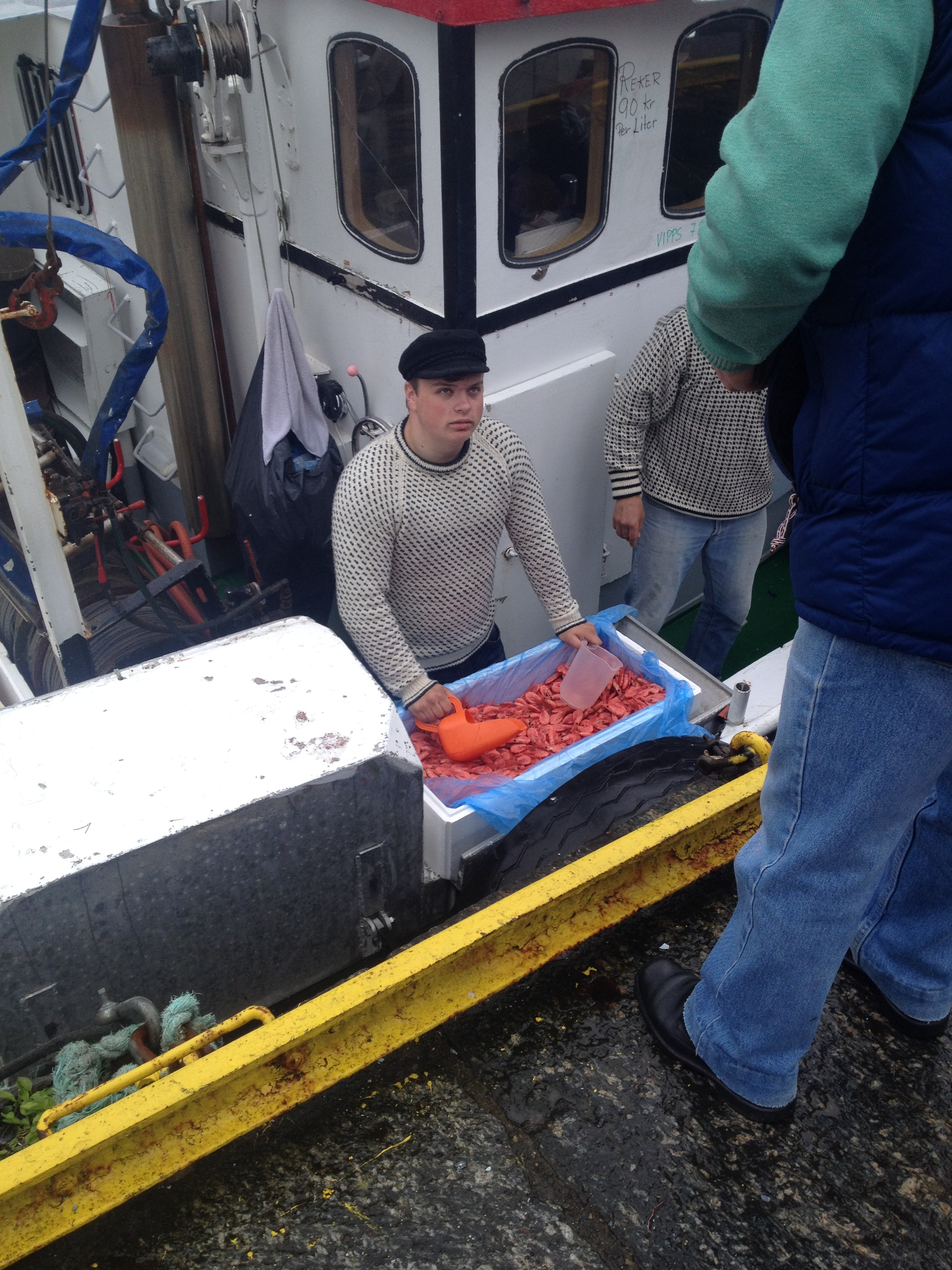 Selling fresh catch from the harbour