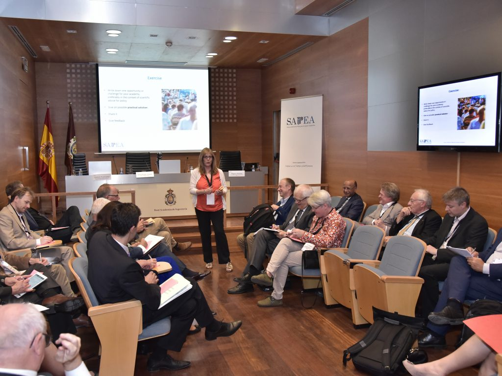 Louise Edwards (Cardiff Hub Manager) facilitates a networking session, Madrid, September 2017
