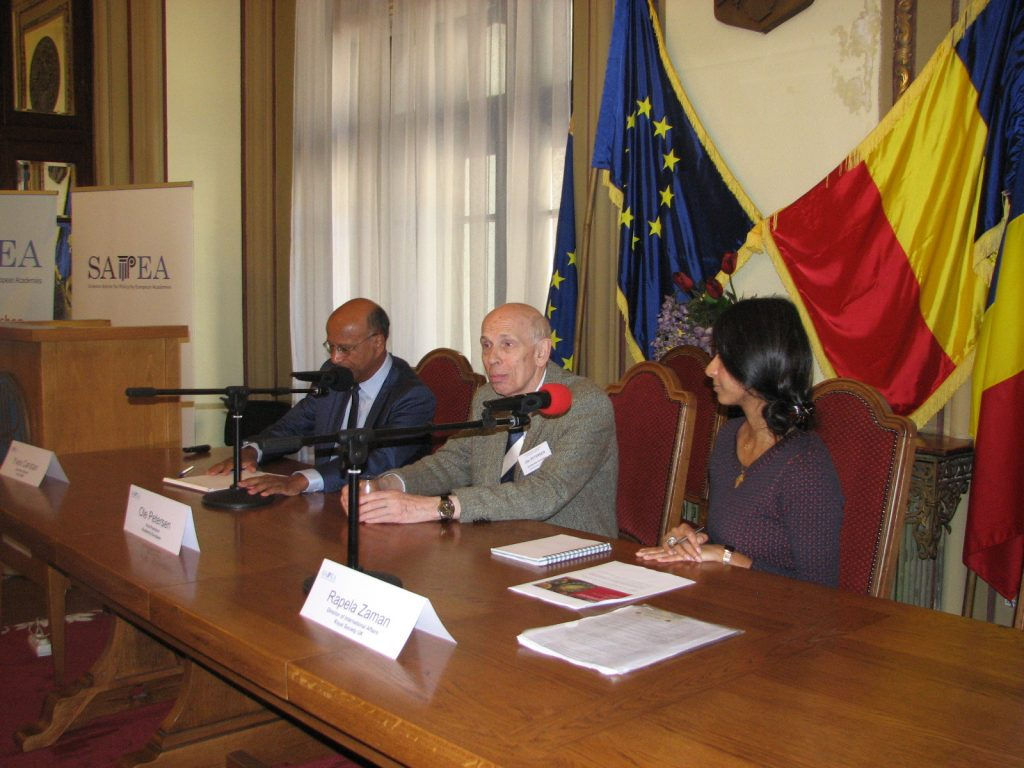 Prof Ole Petersen [centre], with Dr Yves Caristan (Secretary General, Euro-CASE) and Rapela Zaman (Director of International Affairs, The Royal Society), Bucharest, October 2017