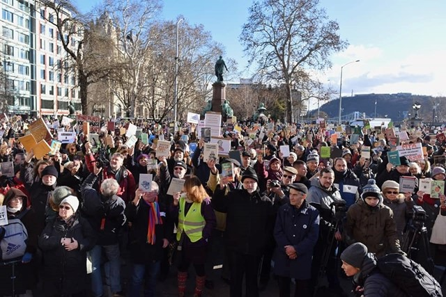 Demonstration in Budapest in support of the Hungarian Academy of Sciences