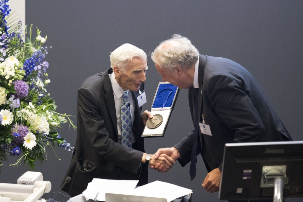 AE's President Sierd Cloetingh awards Lord Rees the Erasmus Medal
