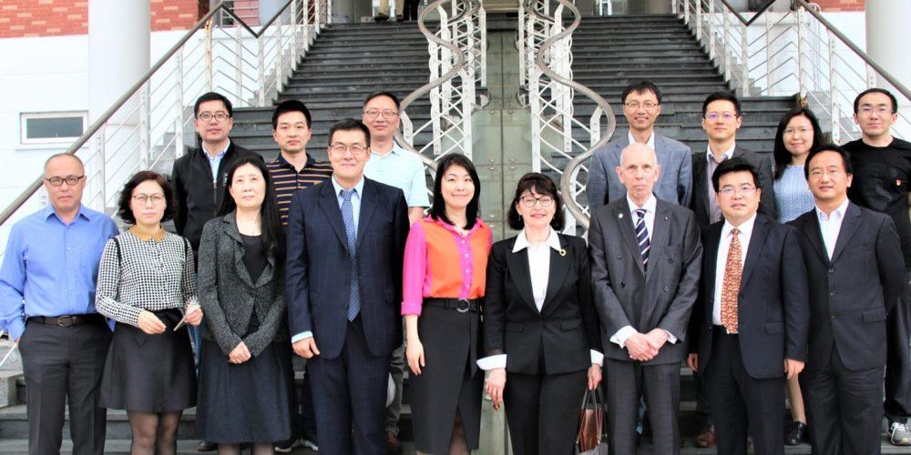Jinan University group photo