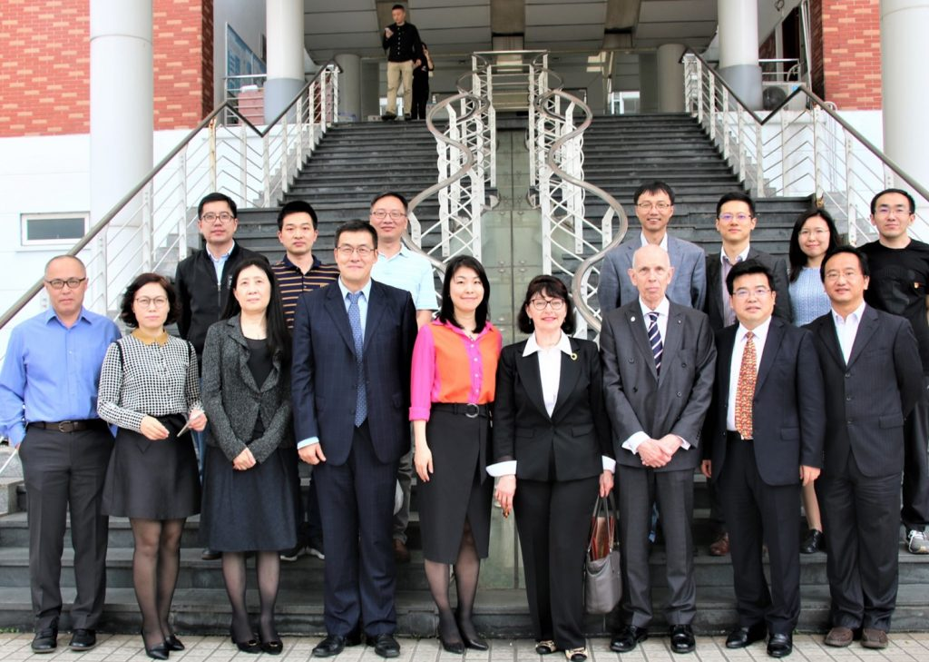 Jinan University group photo