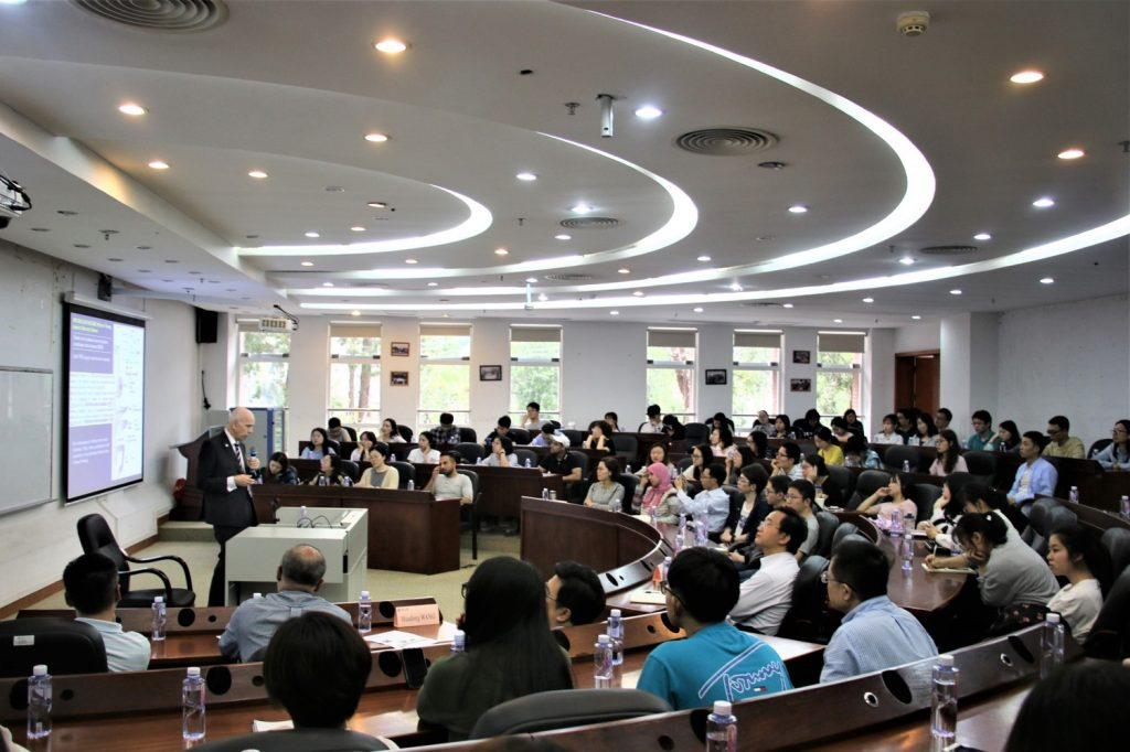 Professor Petersen giving one of his three lectures at Jinan University's Main Campus.