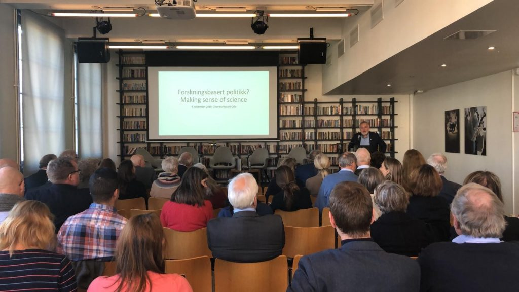 Prof Eystein Jansen, Director of the AE Bergen Hub, welcomes all to the seminar